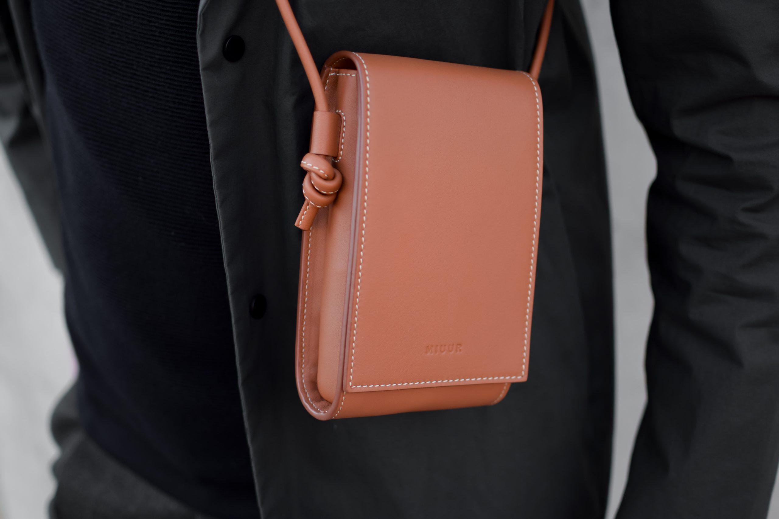 miuur paquito minibag pouch havana brown marron